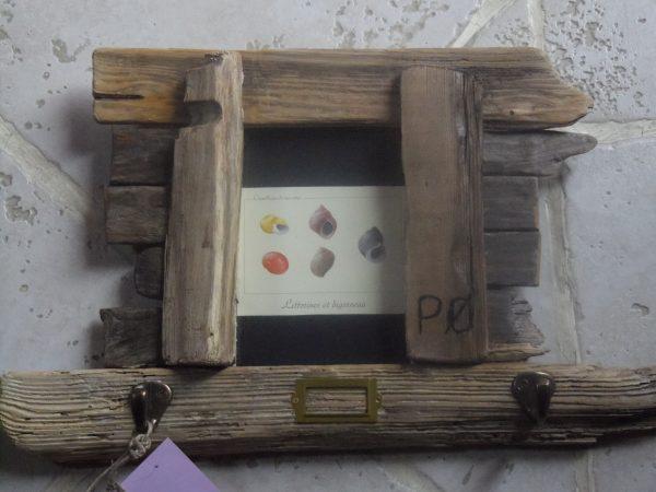cadre accroche clé bois flotté du nord de l'île avec gravure